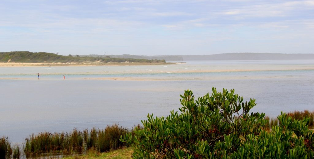 Lake Woollumbulla in all its expanse